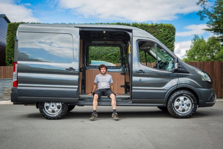Sri Lanka Rent a Van / Coach Services